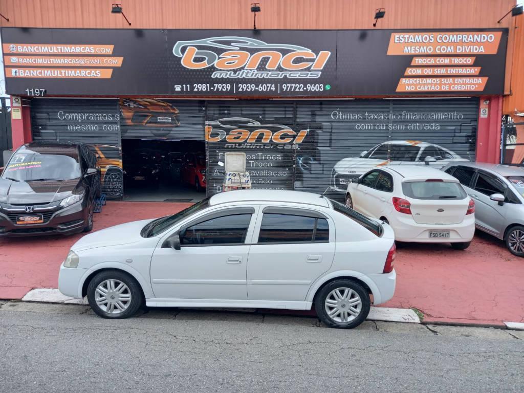 Foto numero 0 do veiculo Chevrolet Astra HATCH 5P CD - Branca - 2003/2003