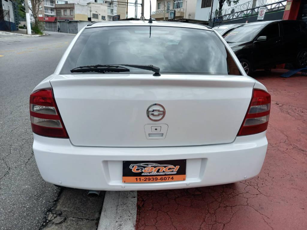 Foto numero 6 do veiculo Chevrolet Astra HATCH 5P CD - Branca - 2003/2003